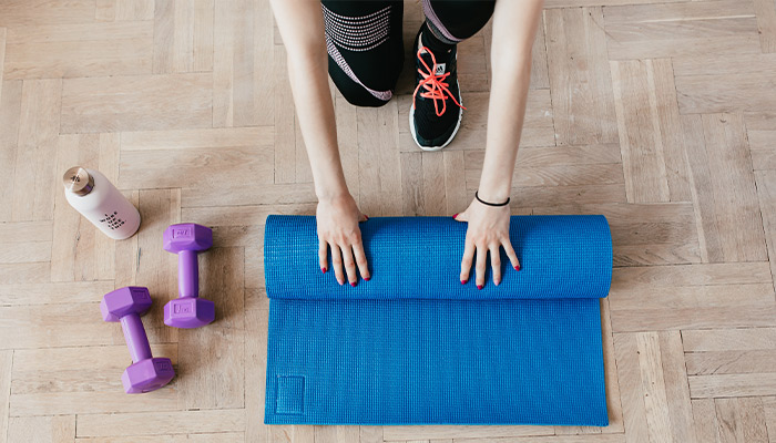 protect your spine as a senior doing excercise